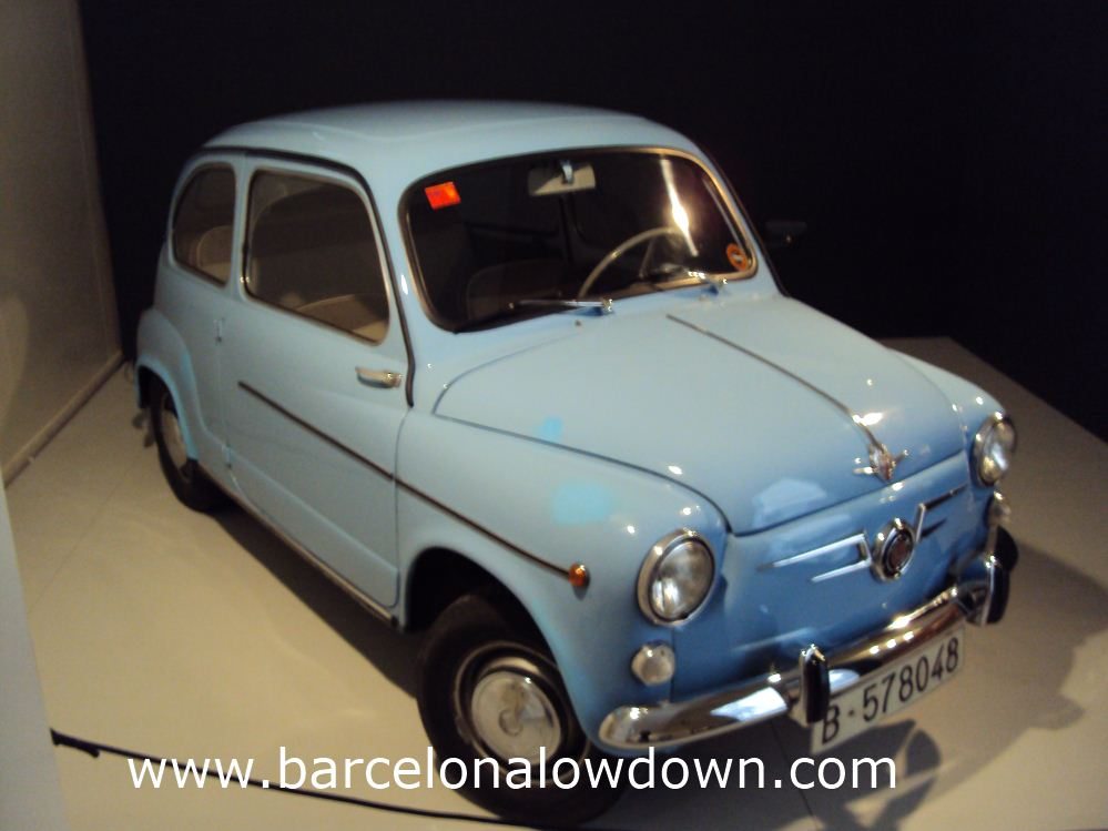 The car that ended the era of the microcar in Spain - The classic SEAT 600