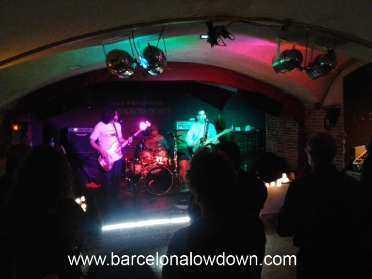 Barcelona band The Vacilons Project playing in Sala Monasterio