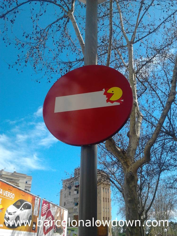 Pacman eating a no entry sign, Barcelona