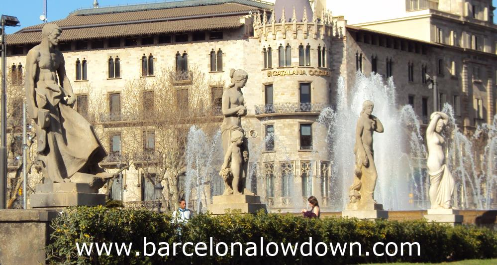 Statues and fountains at Plaça de Catalunya (Catalonia Square)