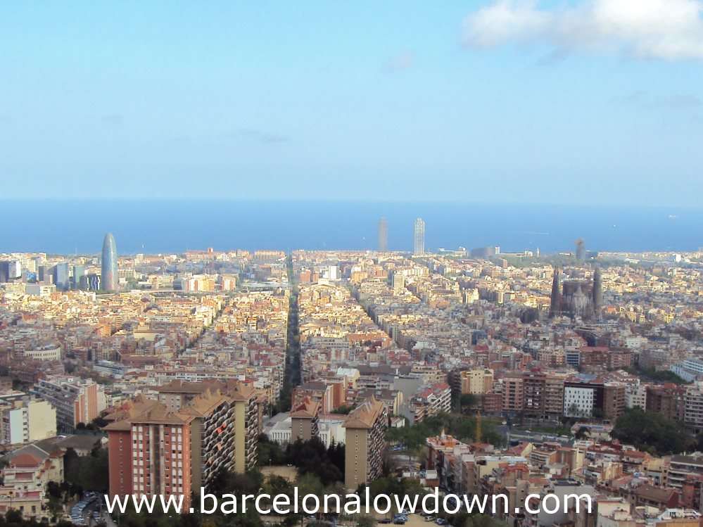 Spectacular views of Barcelona from the Turó de la Rovira
