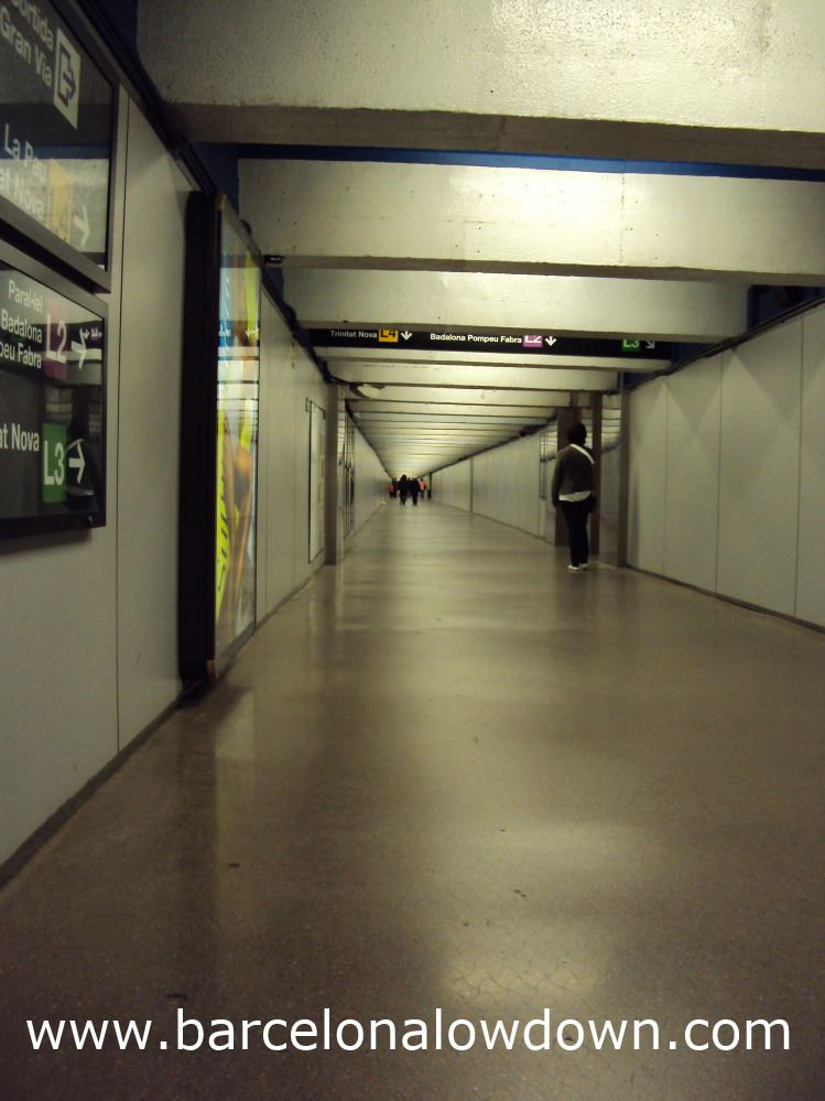 The dreaded tunnel at Passeig de Gracia metro station.