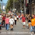 Photo of a crowd of locals and tourists showing what to wear in Barcelona in August
