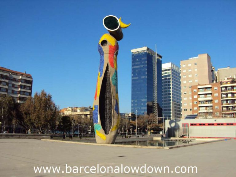 The 22m high Woman and Bird statue by Joan Miró, Barcelona, Catalonia