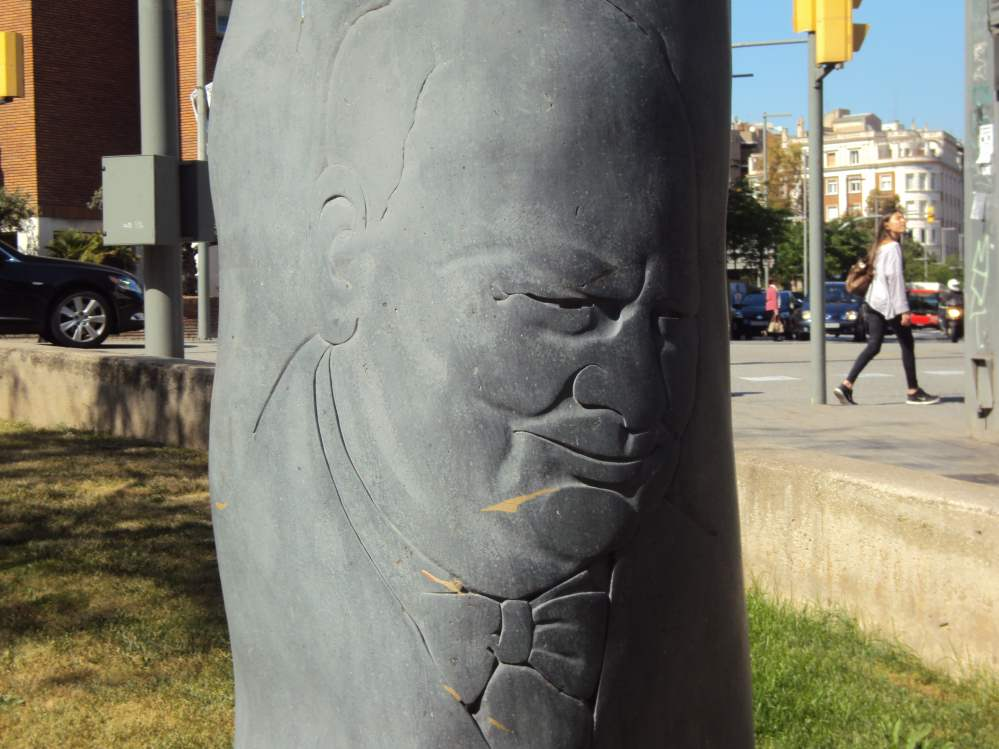 Churchill's face carving in Sarria Barcelona