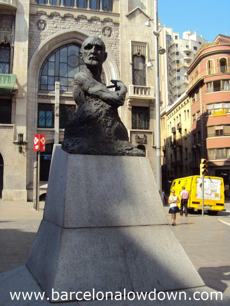 The Cambó monument on Via Laítana, Barcelona