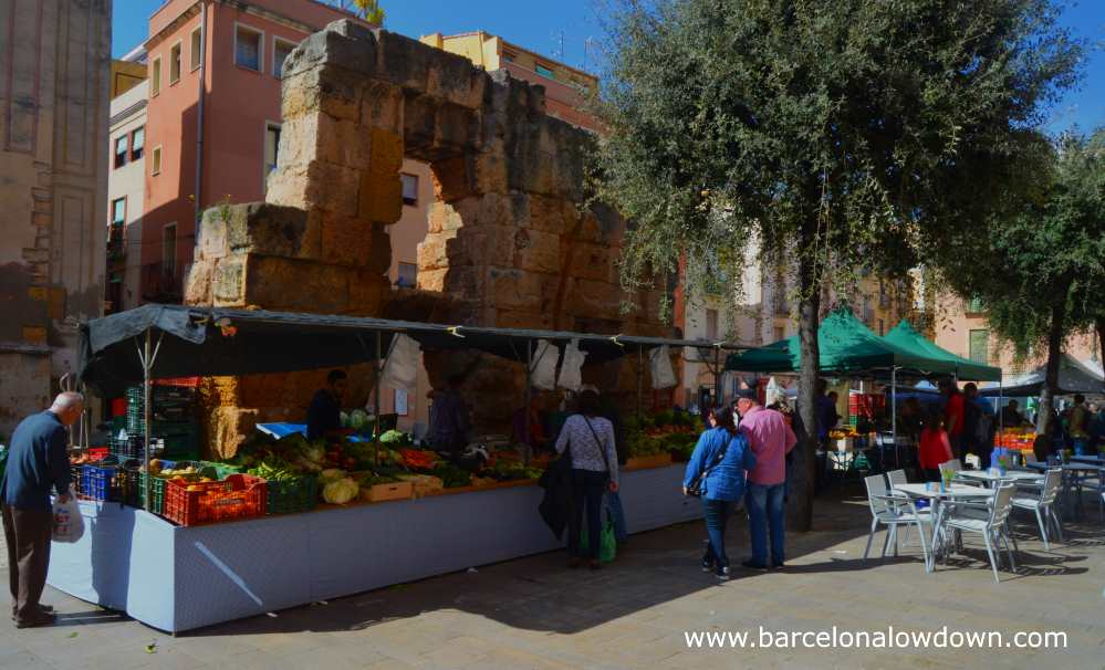 Fruit and vegetable stalls at Plaça del Forum Tarragona