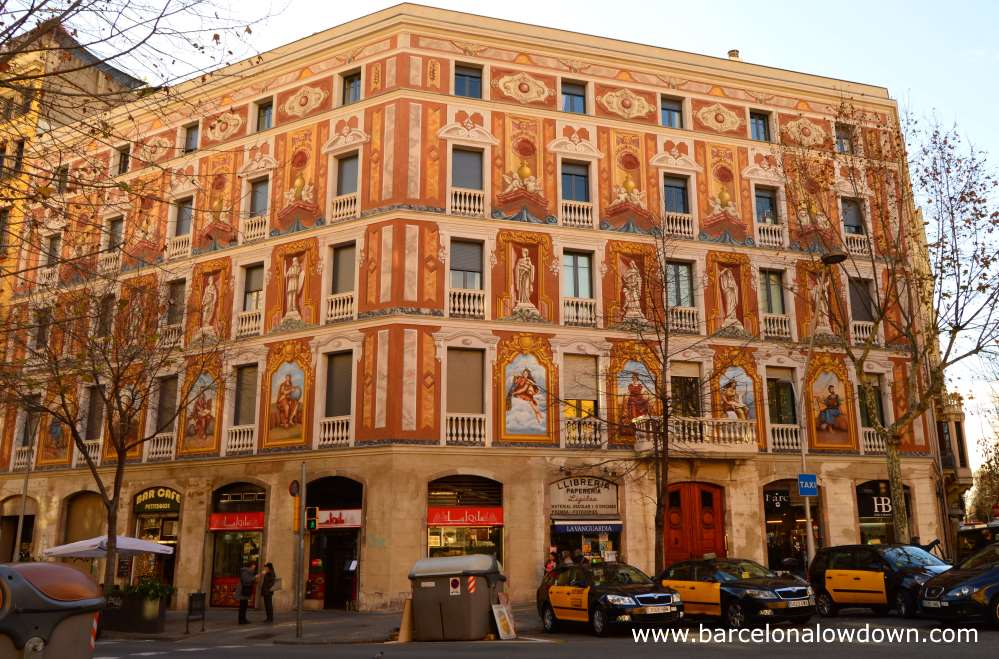 One of the 4 casas Cerdà with colourful frescoes painted by Raffaello Beltramini.