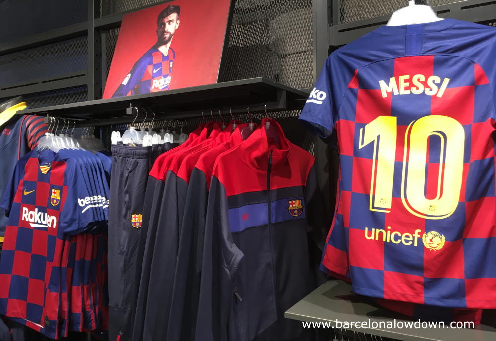 Barcelona football shirts at BCN airport