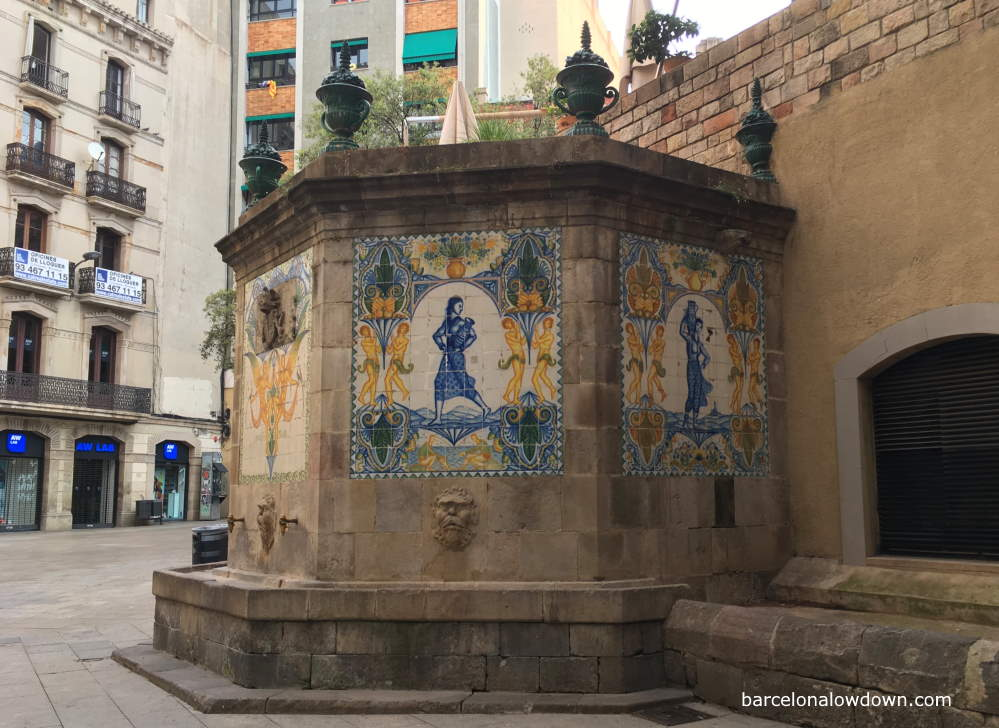 Photo of the oldest medieval fountain in Barcelona, Santa Ana's fountain