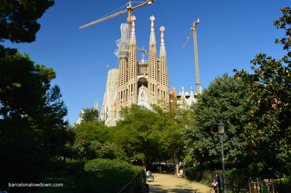 Photo of the Sagrada Familia from one of the small parks nearby.