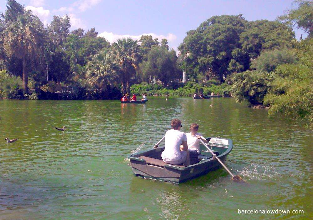 A father and son rowing in the Park de la Ciutadella, one of the best things to do in Barcelona with kids